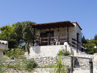 Bilo 2 - Villette indip. a 70 m dal mare di Vieste - Molinella vacation rentals