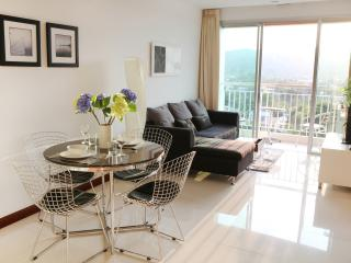 Beautiful modern seaview apartment best location - Chaweng vacation rentals