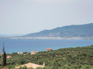 Studio in a traditional tower near the sea. - Mikri Mantineia vacation rentals