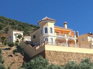 Villa Bella Vista on Sierra Gorda Coin - Coin vacation rentals