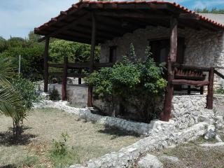 Trilo - Villetta indip. a 70 m dal mare di Vieste - Molinella vacation rentals