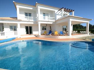5 bed, 6 bath Villa in the Algarve - Guia vacation rentals