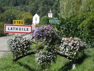 Sweet Nest au bout du lac d'Annecy, Alpes, France - Lathuile vacation rentals