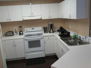 Family Friendly 2 Bed 2 Bath Condo - Plantation vacation rentals