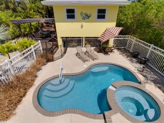 A Private Retreat with Great Outdoor Living - Code: Cozy Cottage - Fort Myers Beach vacation rentals