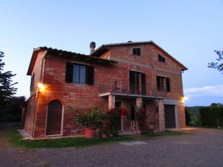 Podere Mainò Delizioso Appartamento - Castiglione Del Lago vacation rentals