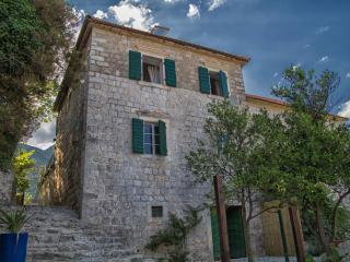 Nice Villa with Washing Machine and Television - Kamenari vacation rentals