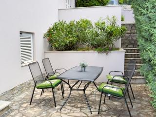 Lovely Condo with Internet Access and A/C - Njivice vacation rentals