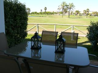 Beautiful 2 bedroom apartment 200m from sea & golf - Rota vacation rentals