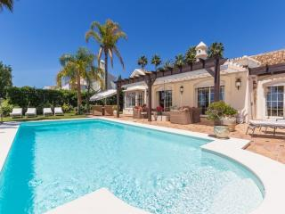 5 bedroom Villa in Golf Valley, Nueva Andalucia, Spain : ref 2245800 - Nueva Andalucia vacation rentals