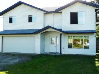 Spacious home in the Shuswap - close to beach! - Canoe vacation rentals