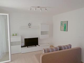 Cozy apartment with sunny balcony - Dubrovnik vacation rentals