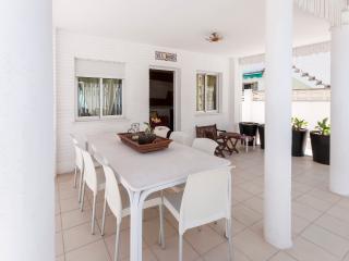 DIMARTS - Property for 8 people in Playa de Gandia - Grau de Gandia vacation rentals