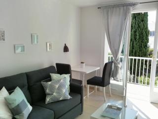 Appartement vue sur mer et piscine Ref 510 - Menton vacation rentals