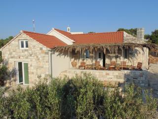 Gorgeous 2 bedroom House in Postira - Postira vacation rentals