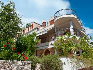 Villa Anna Apartment no. 3 - viola - Zaton vacation rentals