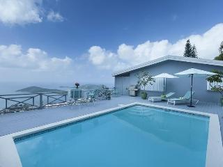 Bright 1 bedroom North Side Villa with Internet Access - North Side vacation rentals