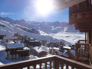 Comfortable Condo with Internet Access and Shared Outdoor Pool - Val Thorens vacation rentals