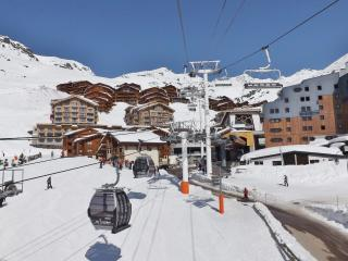 Nice 6 bedroom Val Thorens Apartment with Shared Outdoor Pool - Val Thorens vacation rentals