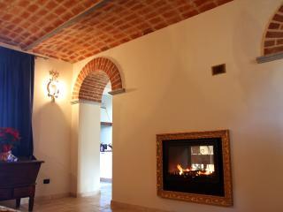 Casa Victoria nel cuore del Monferrato - Montemagno vacation rentals
