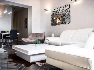 Nouvel Appartement! Haussmann Loft - LRA Cannes 5* - Cannes vacation rentals