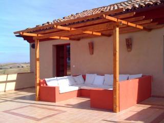 """Restauriertes Bauernhaus ; Panoramalage """"Terrazza"""" - Montecarotto vacation rentals"""