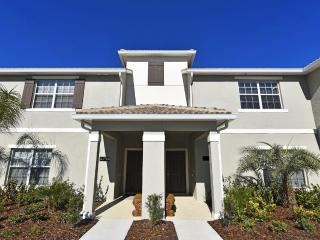 Beautiful 4 Bedroom Townome Near Disney From 100nt - Orlando vacation rentals