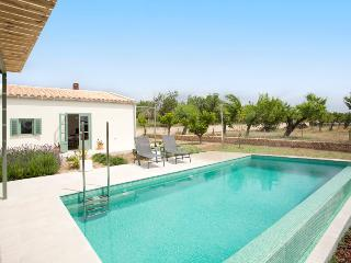 Charming finca with pool and mountain views - Moscari vacation rentals