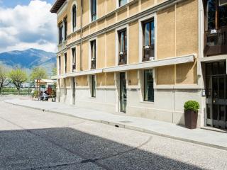 La Mansarda: perfect position - Como vacation rentals