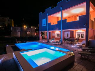 Luxury apartment with pool,hot tub, BBQ & garden - Kastel Sucurac vacation rentals