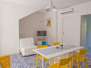 Il Turchino, Appartamento Rosa - Marina di San Vito vacation rentals