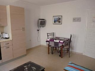 LOCATION APPARTEMENT A - Roses vacation rentals