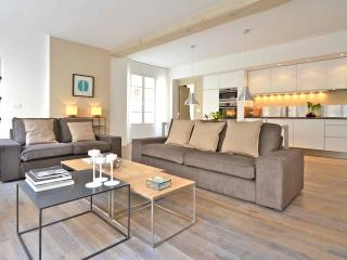 Bourbons, 3BR/3R, 6 people - Paris vacation rentals