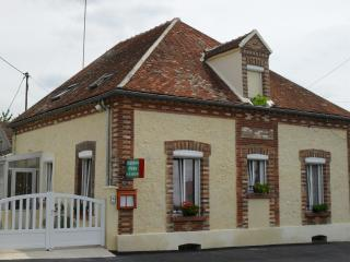 3 bedroom House with Internet Access in Villiers-Saint-Georges - Villiers-Saint-Georges vacation rentals