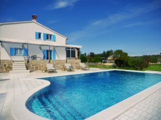 NEW! Villa with pool in the vicinity of Rovinj! - Rovinj vacation rentals