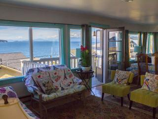 'Sea Breeze Overlook' 3BR Camano Island House w/Panoramic Views & Beach/Boat Access - Near Tulip Festival! - Camano Island vacation rentals