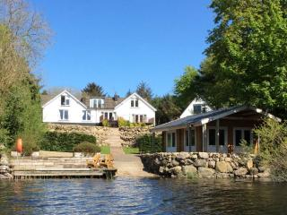 LOCHSIDE (Hot Tub), Rockcliffe, South West Scotland - Rockcliffe vacation rentals