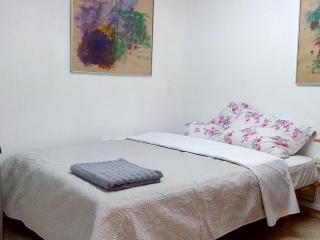 Bed in 5-Bed Mixed Dormitory Room (02) - Gedera vacation rentals
