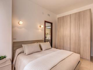 Ardesia 1_ Colosseo M&L Apartment - Rome vacation rentals