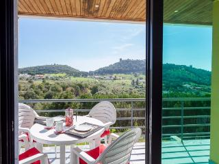 Semi-detached house with panoramic views sleeps 6 - Sesimbra vacation rentals