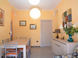 Guest House Sassari 101 con bagno condiviso - Sassari vacation rentals