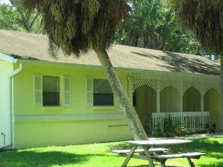 Stay near the heart of Sarasota - Sarasota vacation rentals