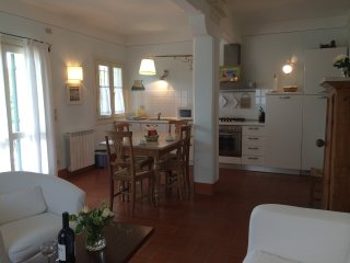 Bright 2 bedroom Caorle Apartment with Internet Access - Caorle vacation rentals
