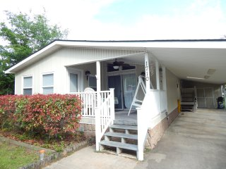 Newly Renovated Beach Home w/WiFi & Cable. - Surfside Beach vacation rentals