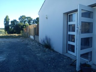 studio proche la rochelle au calme - Charron vacation rentals