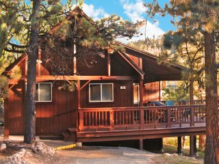 3rd night FREE! Authentic cabin: Lake nearby, WiFi - Big Bear Lake vacation rentals