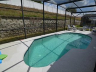 5 Bedroom Pool Home with Grill & Gameroom $95/nt - Davenport vacation rentals