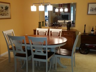 Spacious, Modern Condo nr. Navy Stadium, downtown & Mall . Easy access route 50 - Annapolis vacation rentals