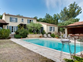 Cheerful family home with a pool - Cabrieres-d'Avignon vacation rentals