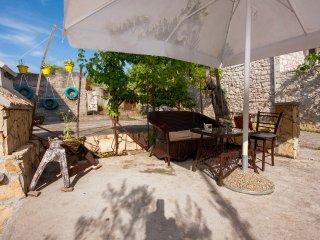 2 bedroom Apartment with Internet Access in Brodarica - Brodarica vacation rentals